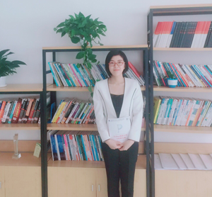 李强 硕士研究生,讲师。主持并参与省级科研课题3项,国家专利3项,公开出版教材3部,实训指导教材5本。