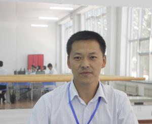 王伟峰 计算机应用专业主任,双师型教师。